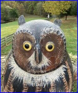 Handsome Detailed Vintage Folk Art Wood Owl Decoy Nicely Carved and Painted