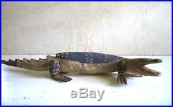 Vintage American Folk Art Carved Painted Wooden Alligator Lizard 2 feet long