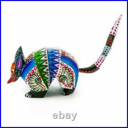 WHITE ARMADILLO Oaxacan Alebrije Wood Carving Mexican Animal Sculpture Painting